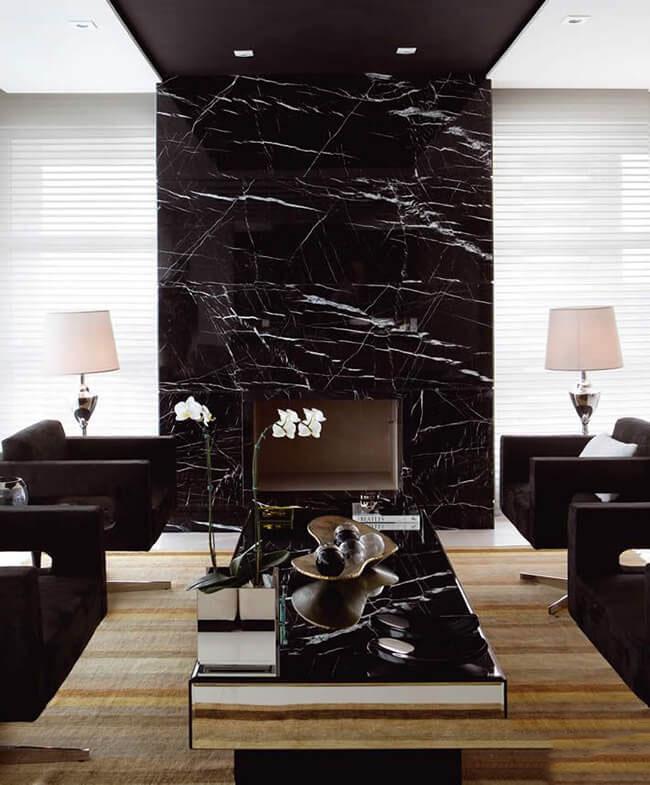 Tường phòng khách đá marble đen chỉ trắng