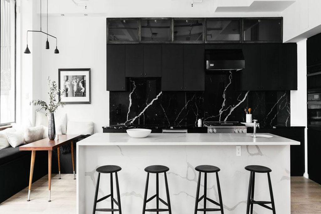 Tường nhà bếp đá marble đen chỉ trắng