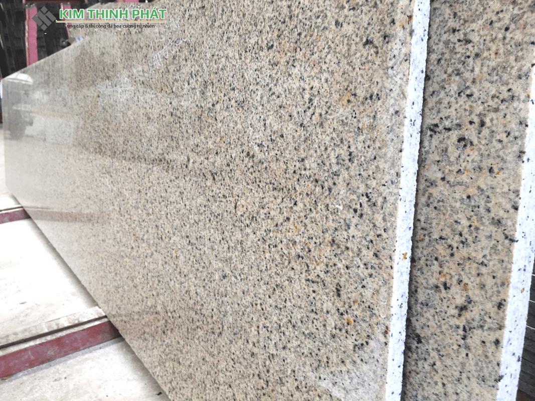 tấm đá Granite vàng Định