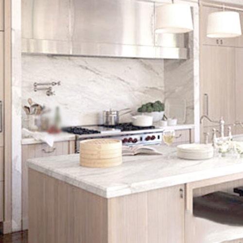 Đá ốp tường bếp trắng Hy Lạp