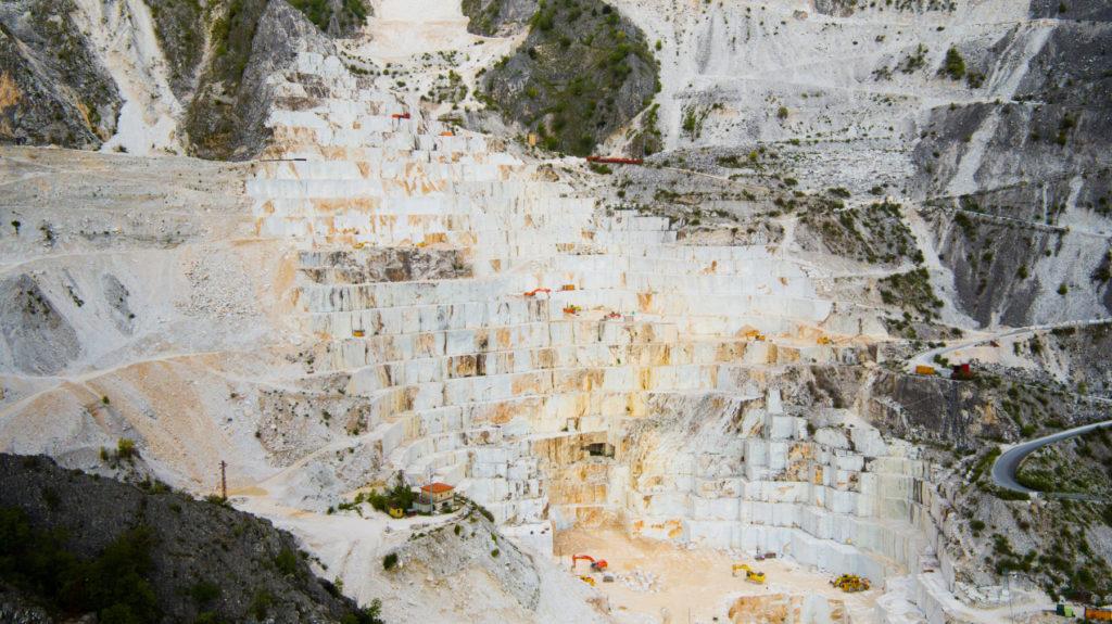Mỏ đá Khai thác đá Trắng Ý